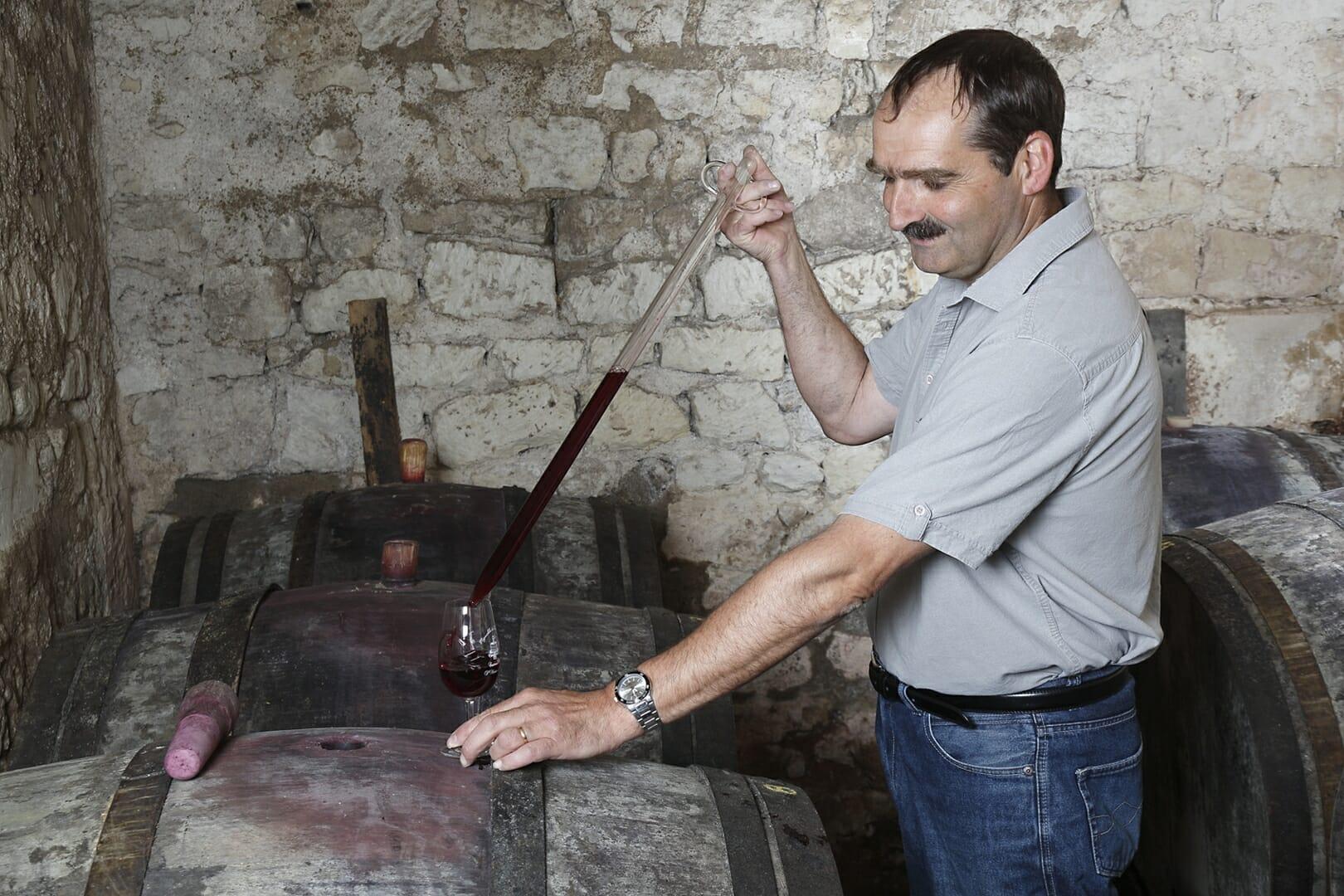 Vignoble de la rodaie Saint Nicolas de Bourgueil Christel COUSSEAU Dégustation en cave